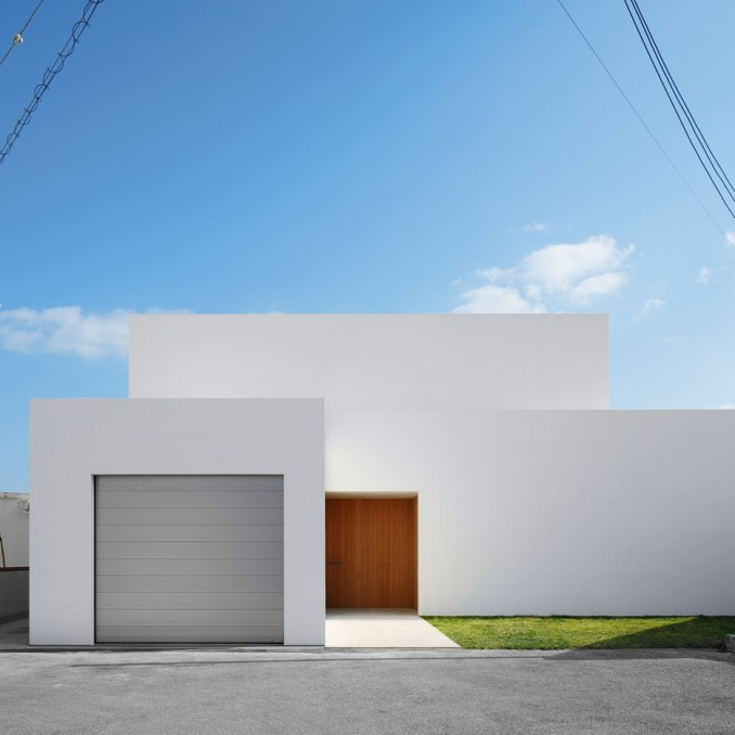 Japanese houses: Okinawa House by John Pawson holiday home architecture Japan