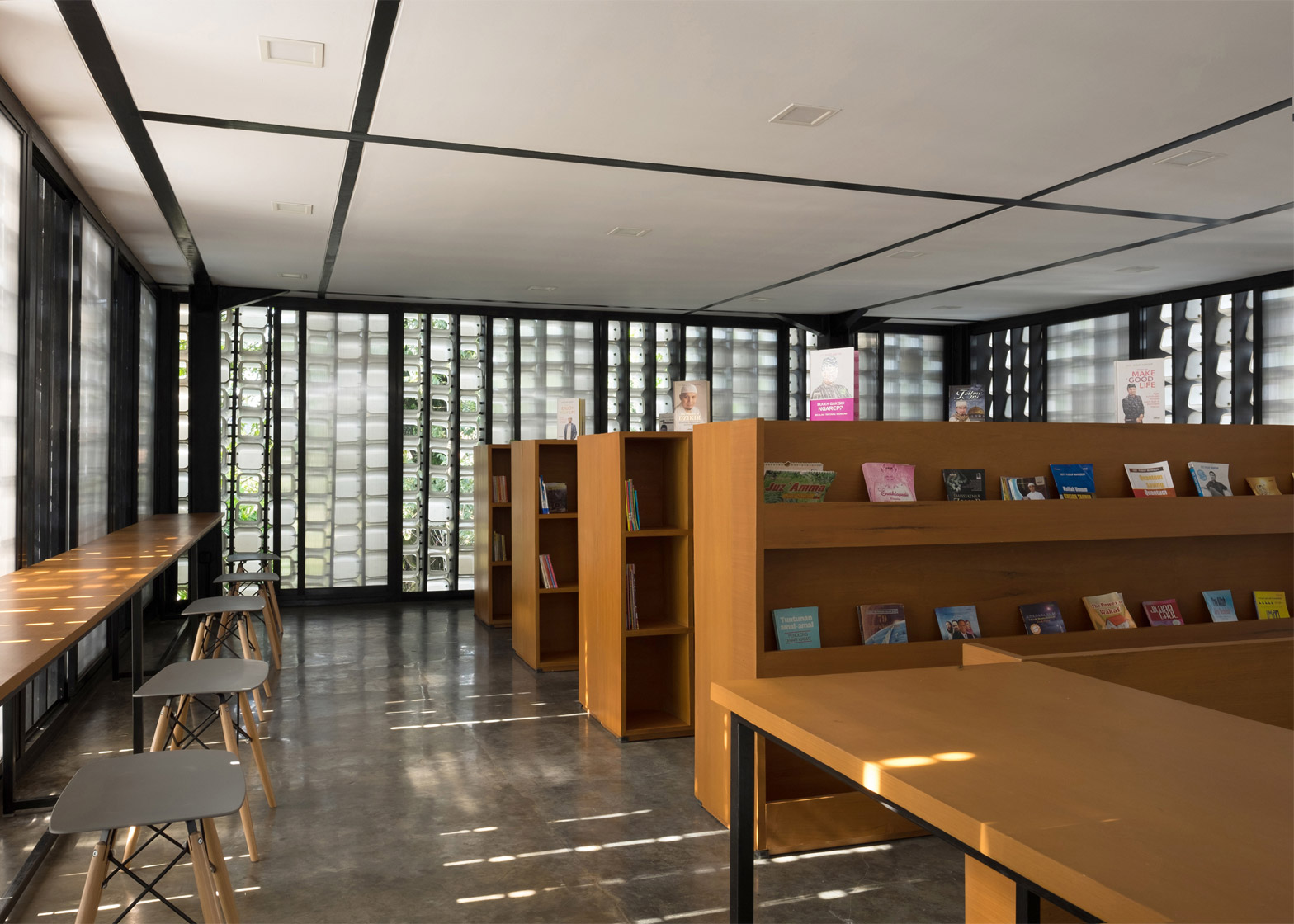 Recycled Ice Cream Tubs Cover Walls Of Microlibrary By Shau