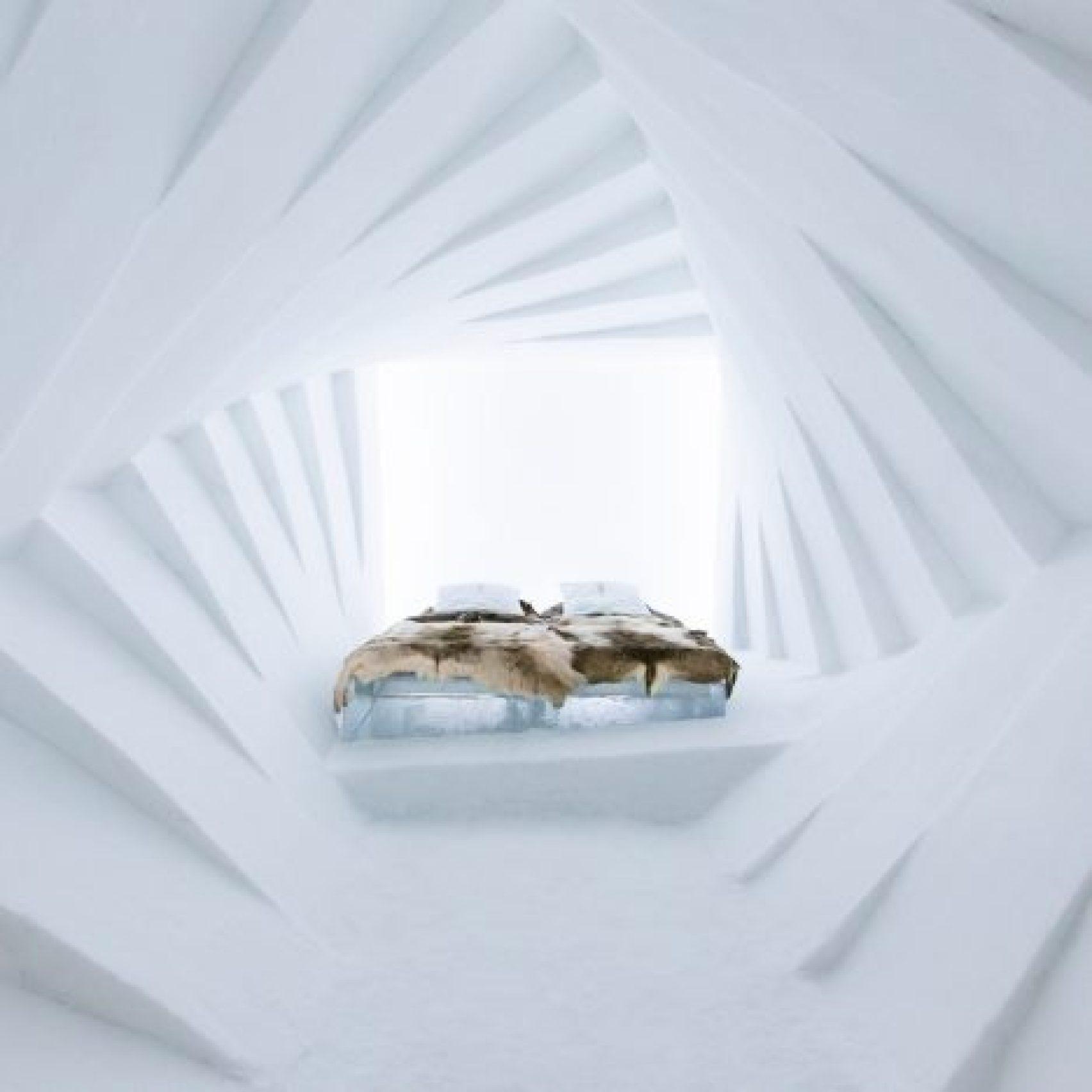 hotel-interior-ice-hotel-dezeen-pinterest-sq