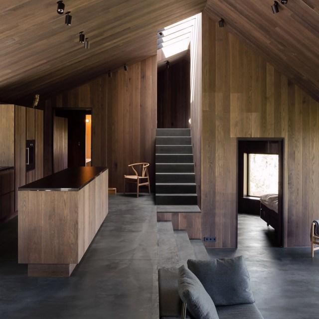cabin-geilo-norway-lund-hagem-architecture-residential_dezeen_2364_sq