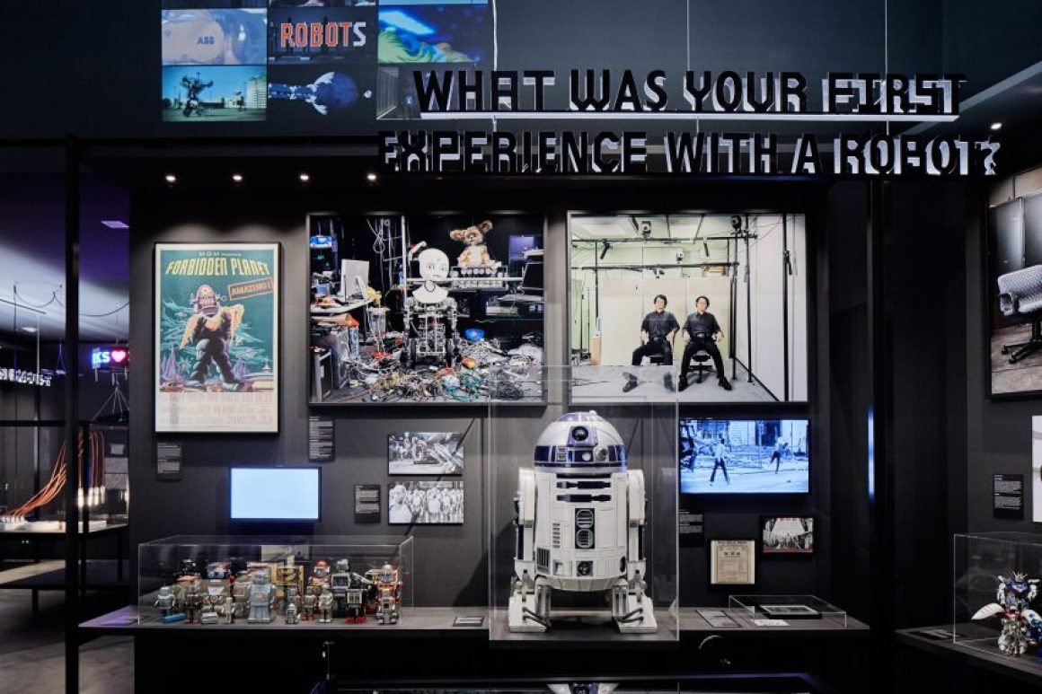 Bonjour exposition Robot