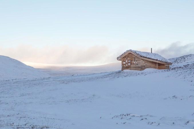 Modernist highland hut by Moxon Architects