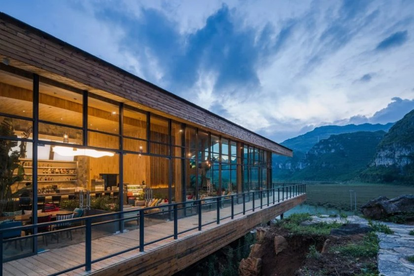 Tourist Center of Anlong Limestone Resort by 3andwich Design and He Wei Studio