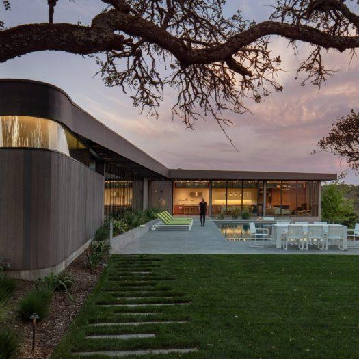 Lichen House by Schwartz and Architecture