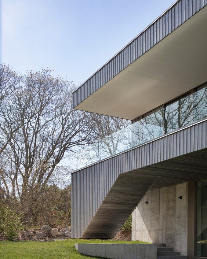 Montauk House by Desai Chia