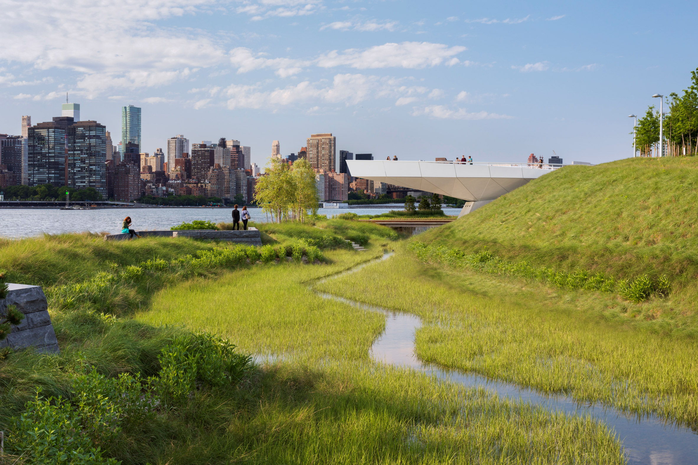 Hunter's Point South Waterfront Park by SWA/Balsley and Weiss Manfredi