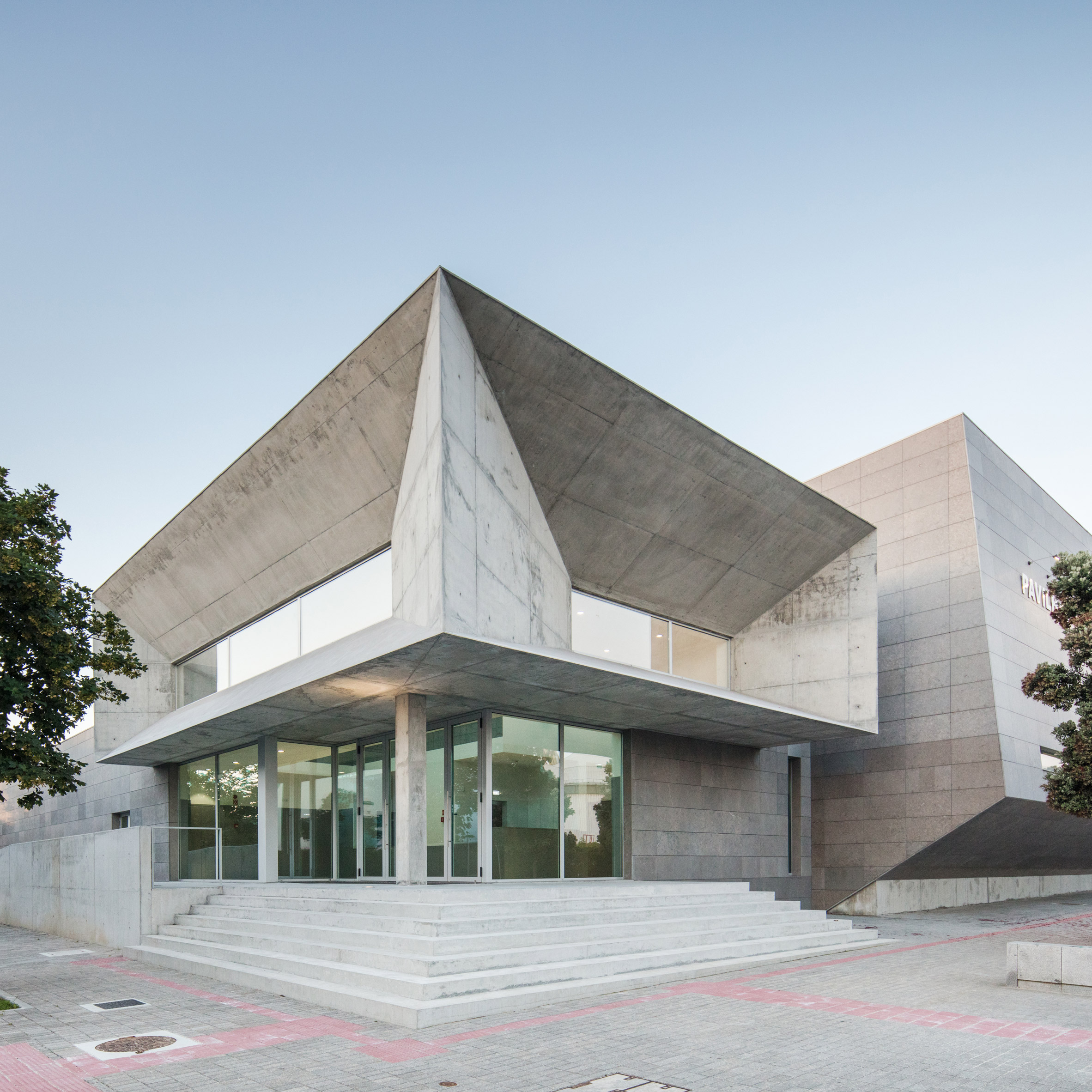 """Angular forms create """"dynamic"""" aesthetic at Portuguese sports facility by Valdemar Coutinho Arquitectos"""