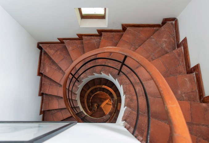 Geoffrey Bawa staircases: The Raffel House, Colombo, 1963