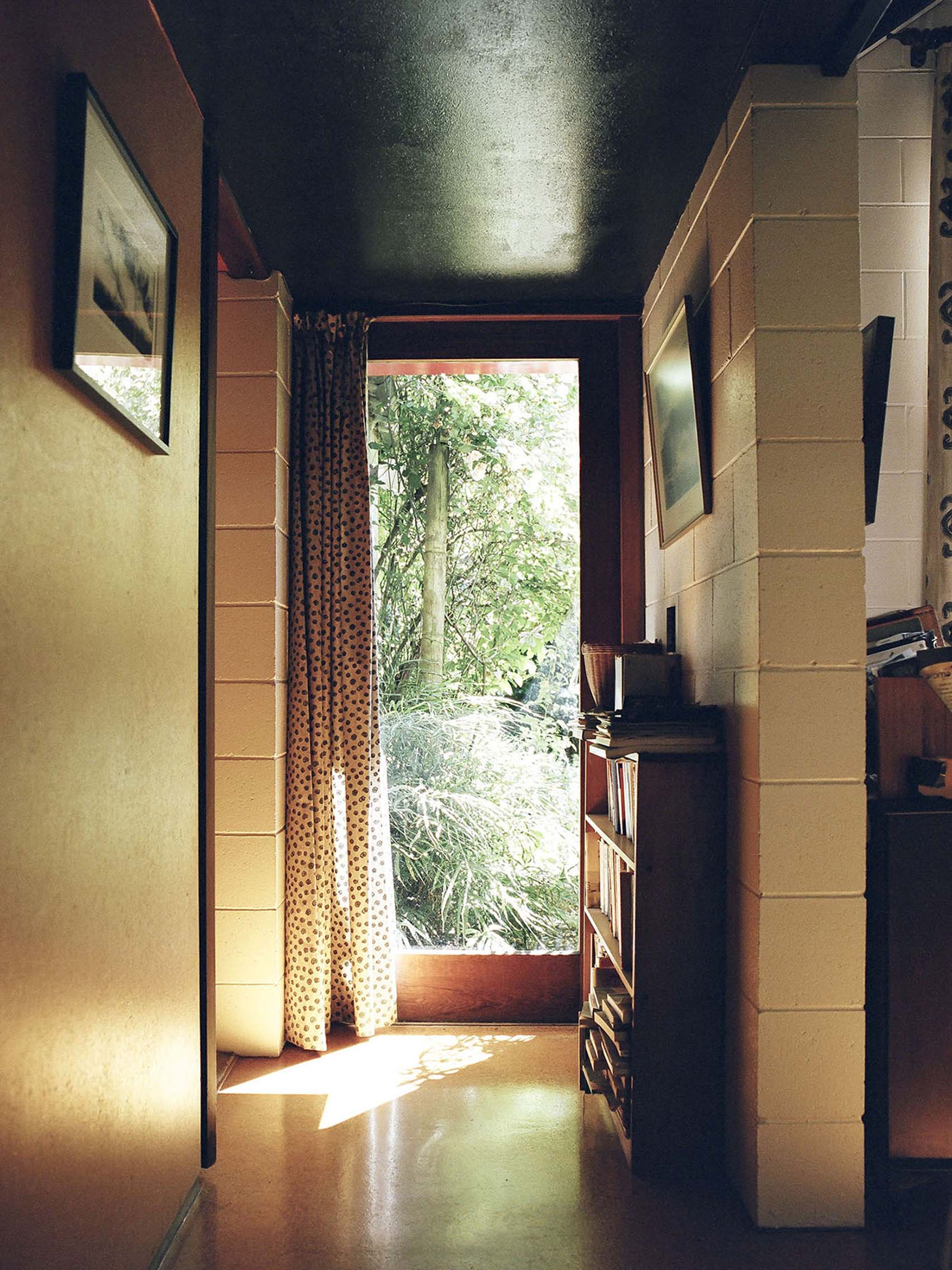 Mary Gaudin photography of Werry/Francis Houses by John Scott