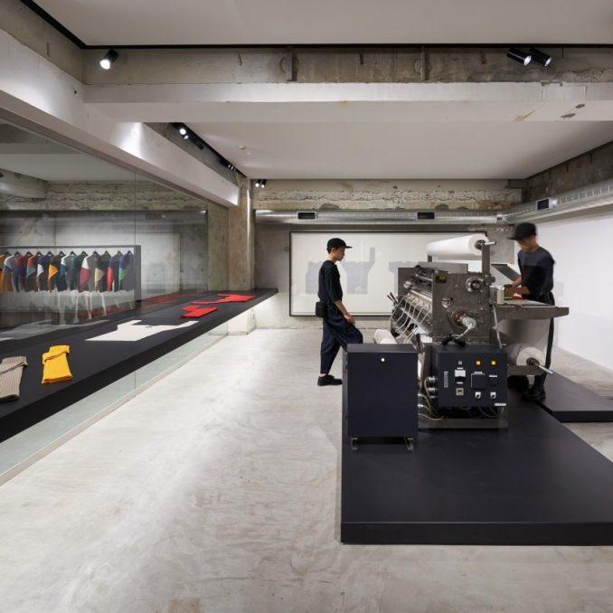 Homme Plissé Tokyo flagship by Tokujin Yoshioka
