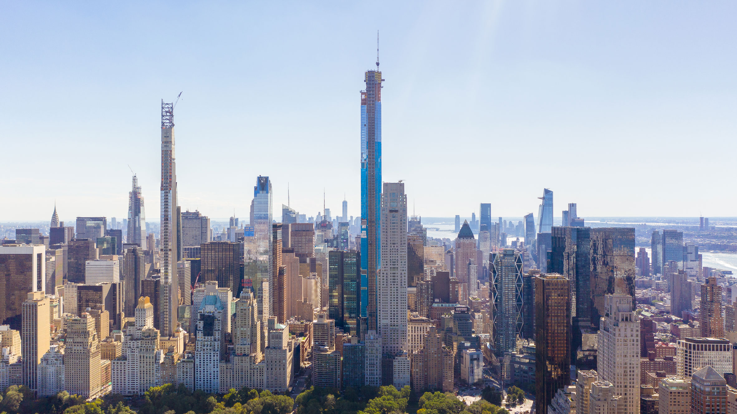 Central Park Tower by Adrian Smith + Gordon Gill tops out
