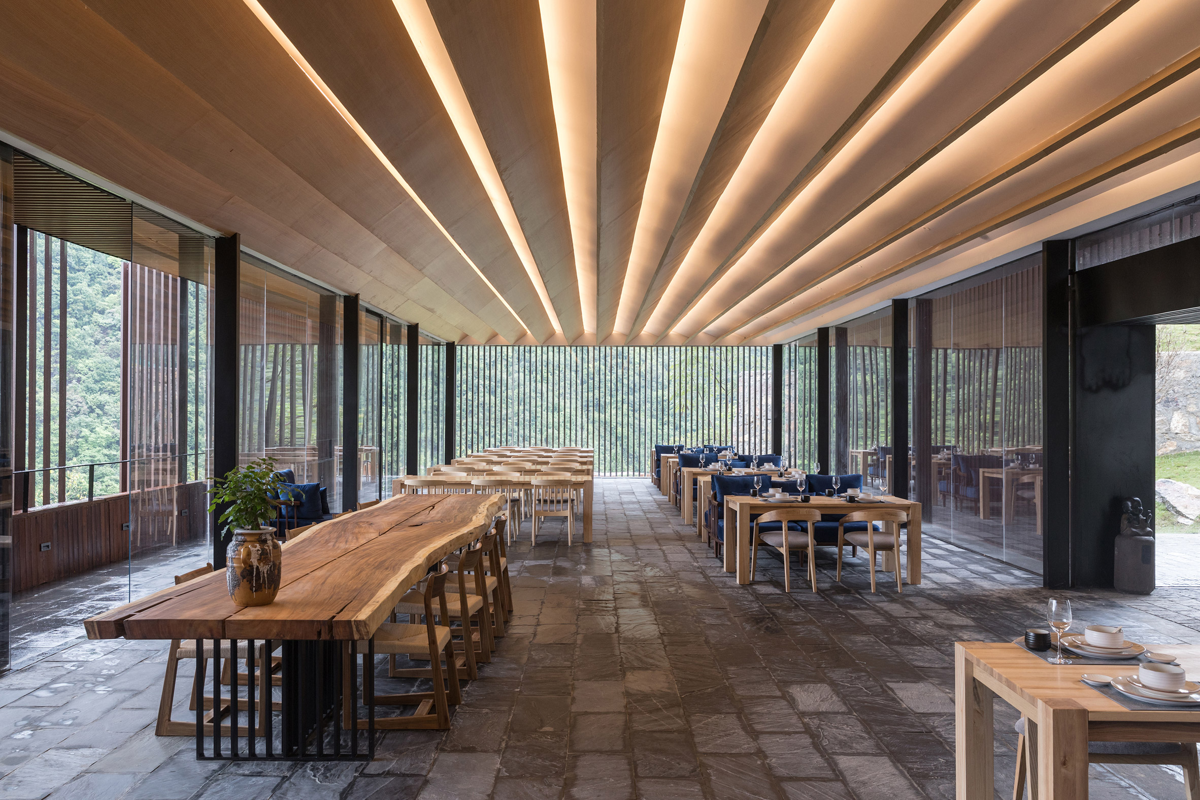 Mountain Bar and Restaurant by ZJJZ Atelier