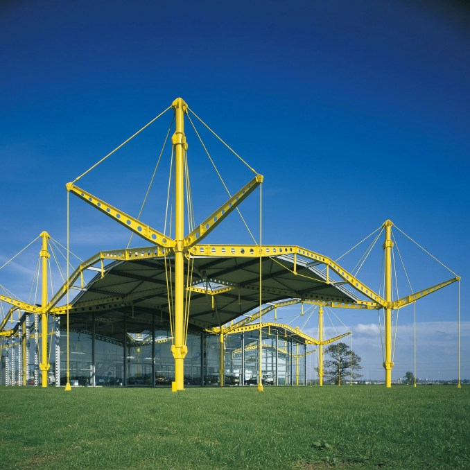 High-tech buildings: Renault Distribution Centre by Norman Foster