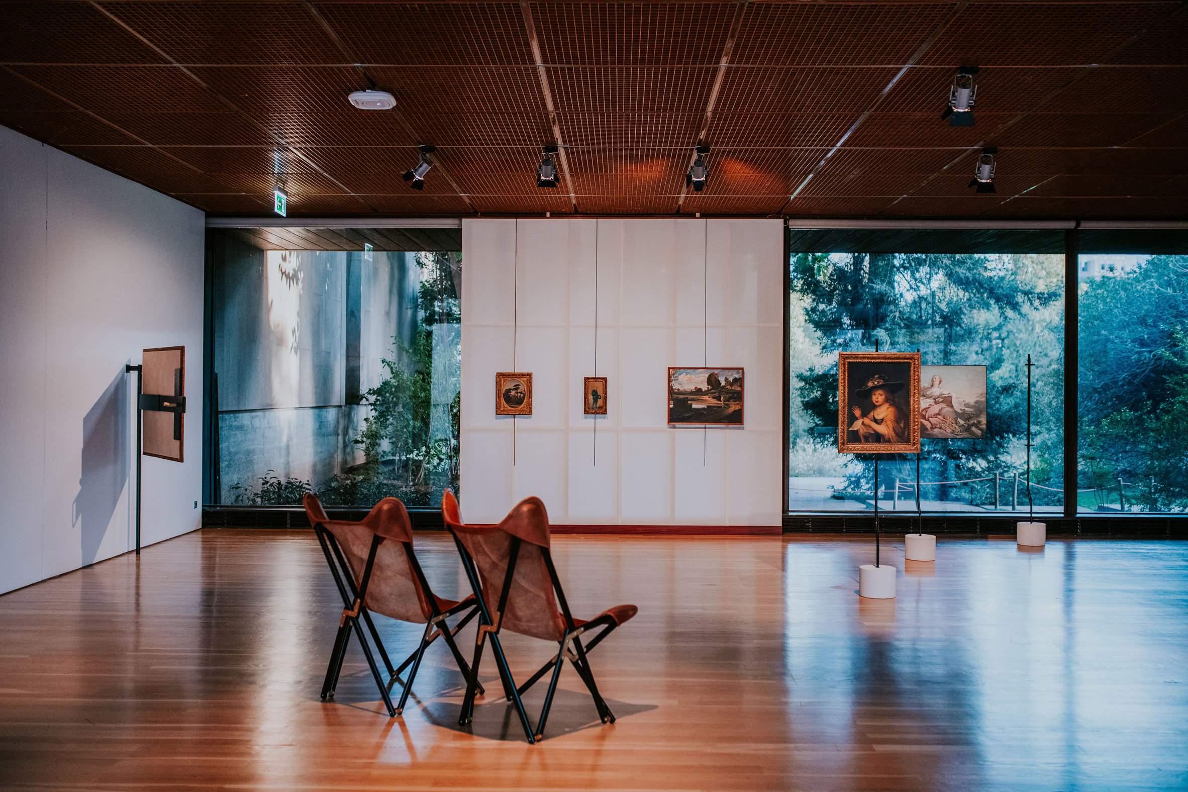 Art on Display at the Gulbenkian Museum showcases radical exhibition design