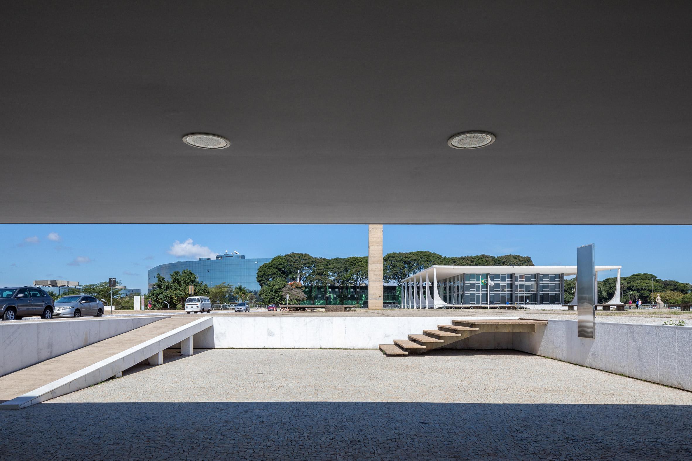 Oscar Niemeyer Tea House by Bloco Arquitetos and Equipe Lamas