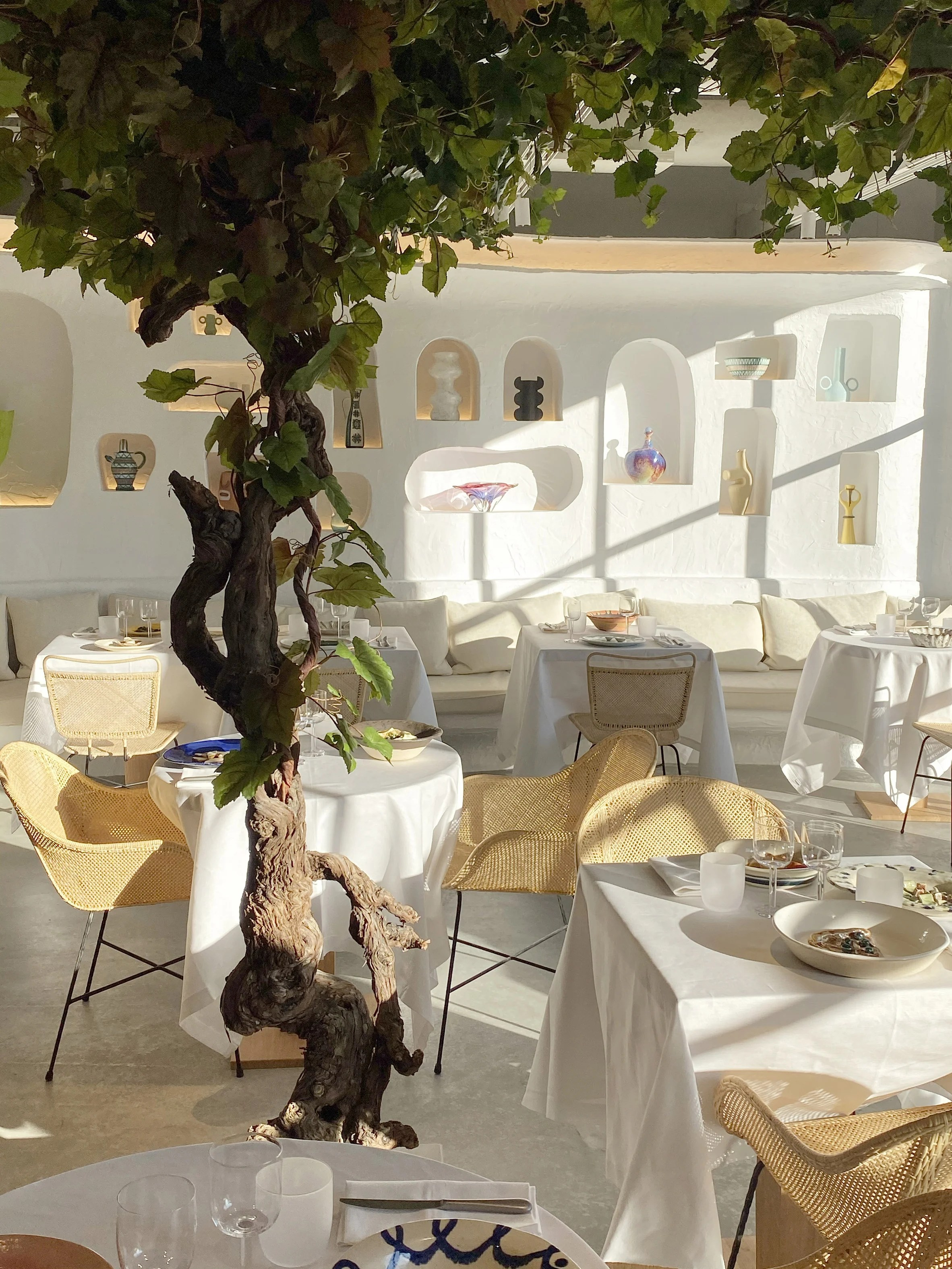 Oursin restaurant designed by Jacquemus
