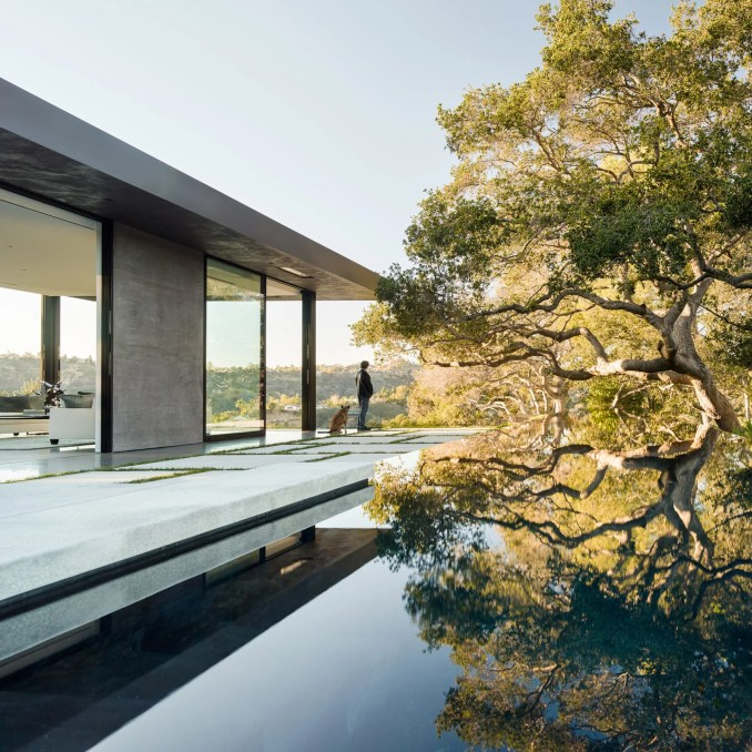 Architectural swimming pools: Oak Pass House, USA, by Walker Workshop