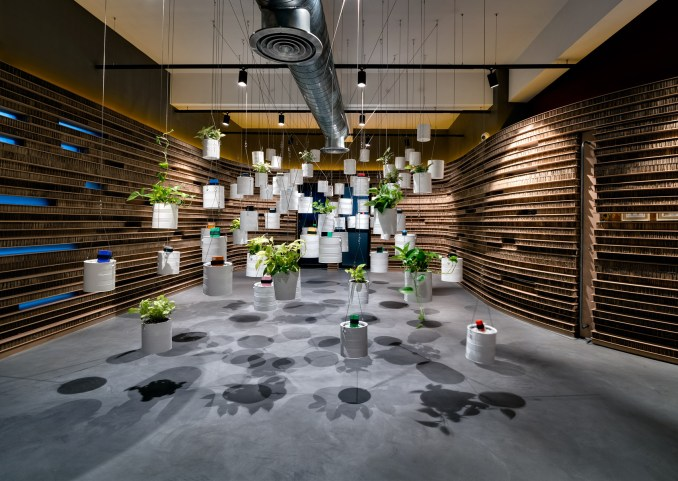 Decoration in Walls of of Office in Cardboard by Studio VDGA in Pune, India