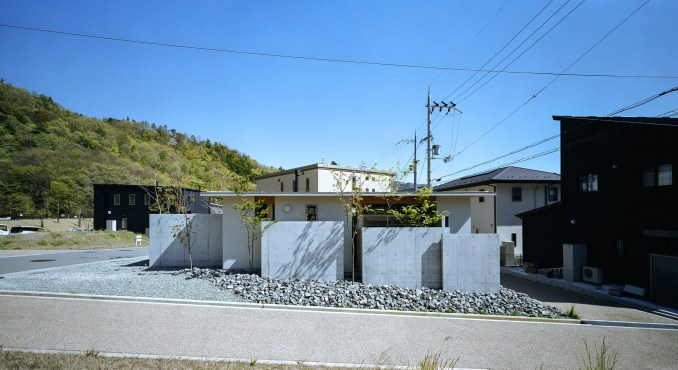 A concrete-lined home by FujiwaraMuro Architects in Japan