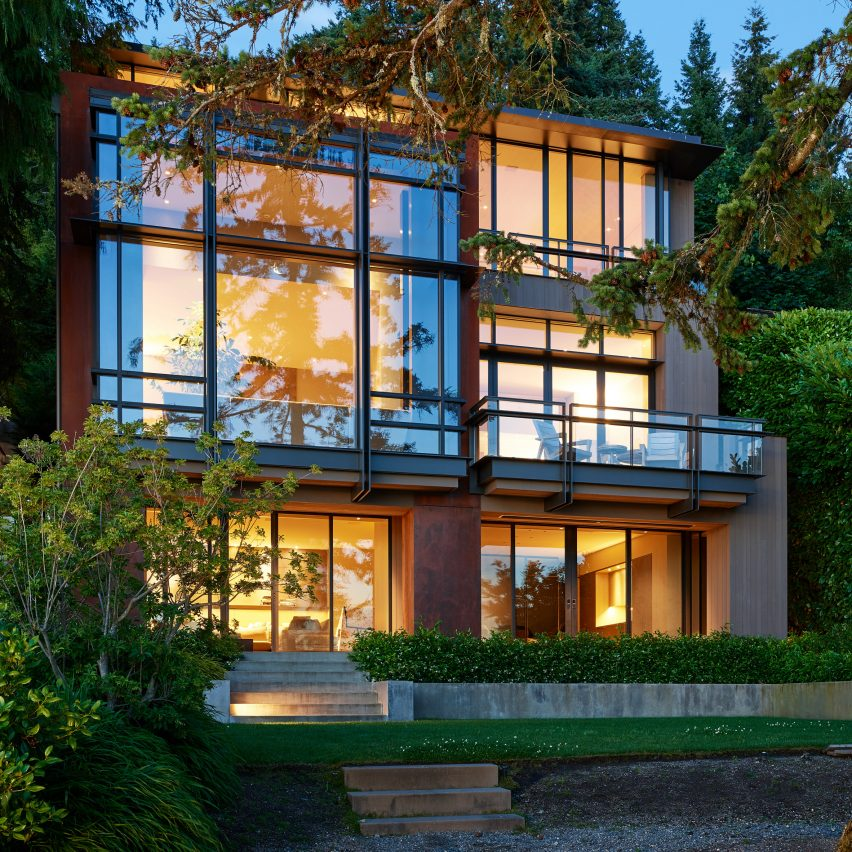 An outside view of Lakeside Residence by Graham Baba