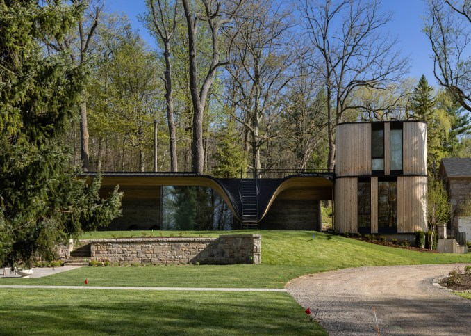 Fold House guest house and pool by partisans