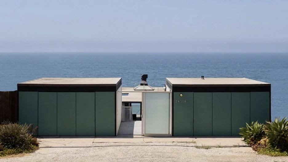 Victor and Elizabeth Hunt House in Malibu, California, by Craig Elwood