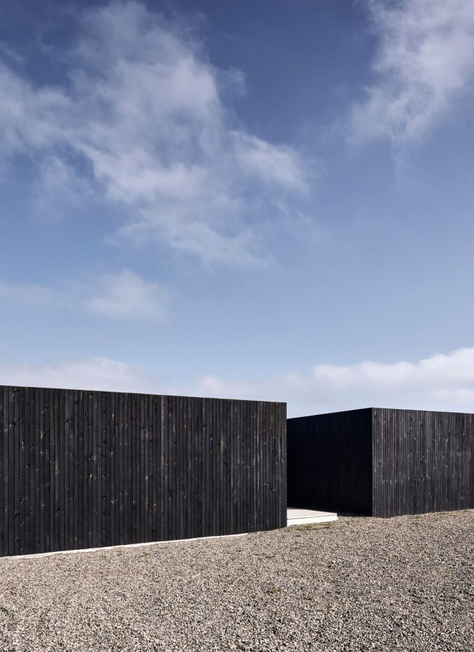 Blackened Pine exterior of an architects' house in Chile
