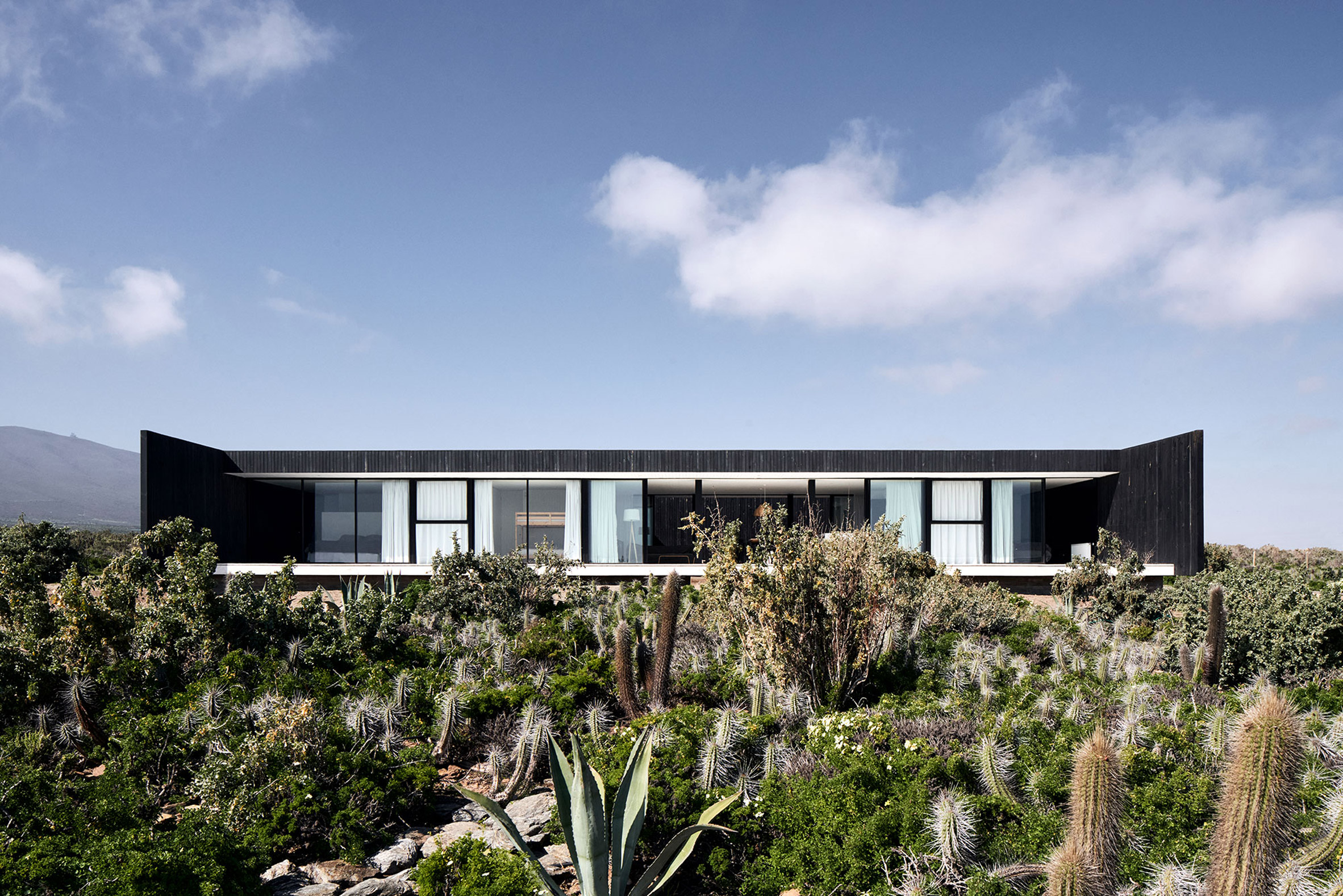 Glazed exterior of Casa SS in Chile