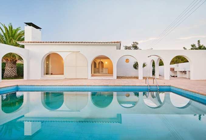 Las 3 Marías has a pool