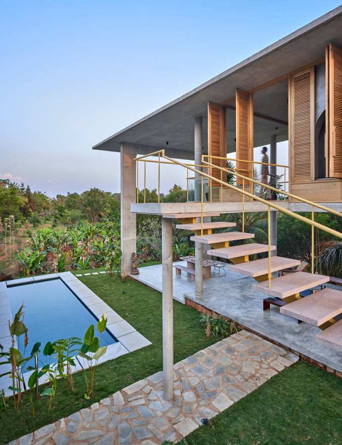 Swimming pool at Ksaraah house in Bangalore by Taliesyn