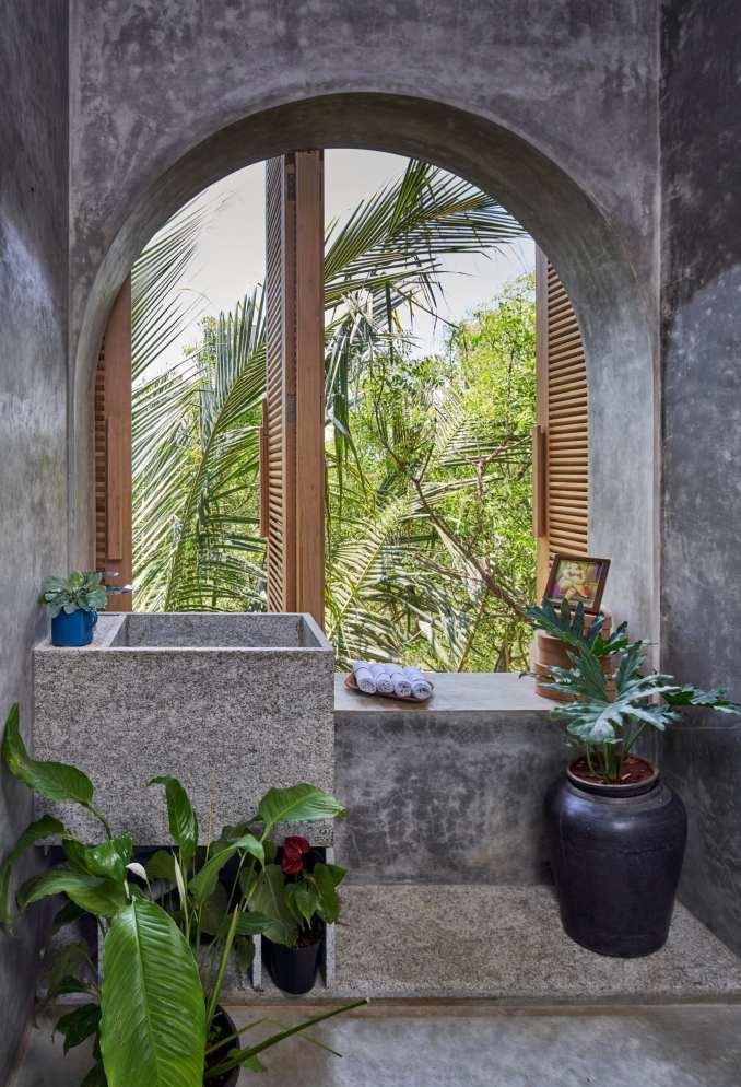 Bathroom of Ksaraah house in Bangalore by Taliesyn