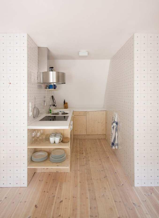l-shaped kitchen by karin matz and francesco di gregorio