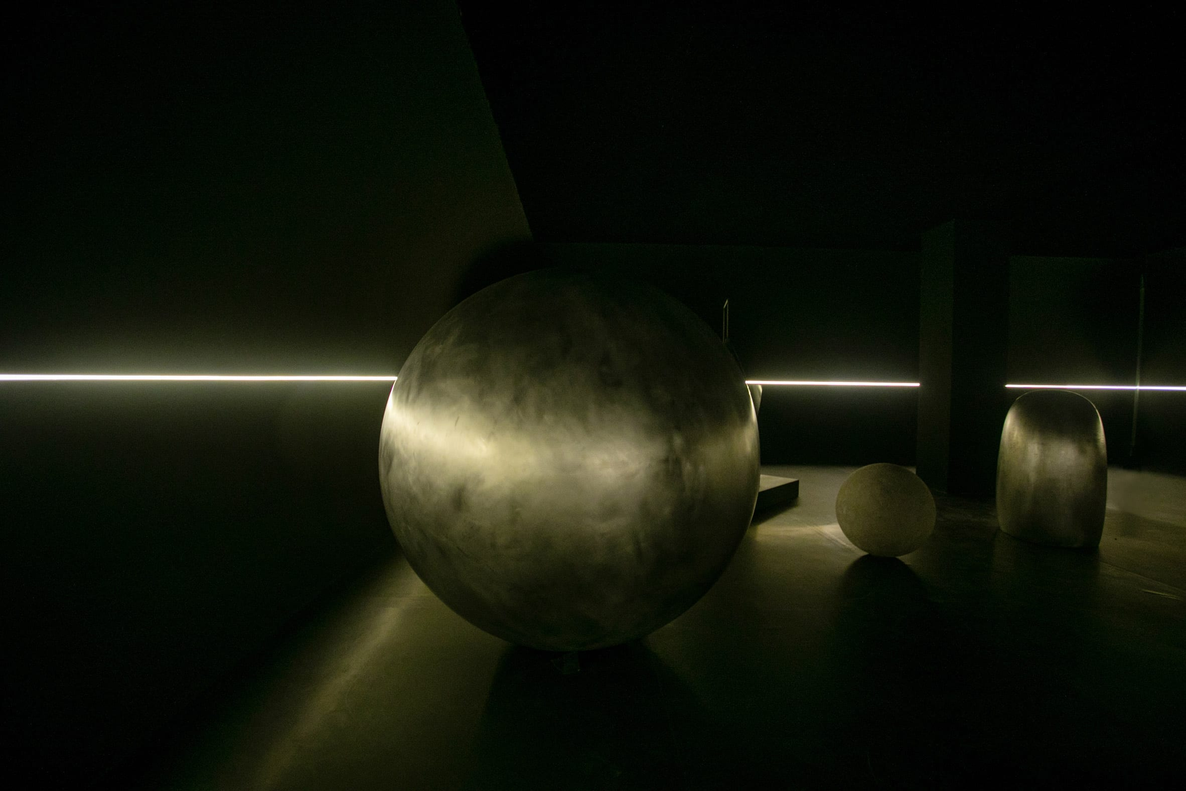 Liu Wei's Forma Fantasia with installation design by Ma Yansong