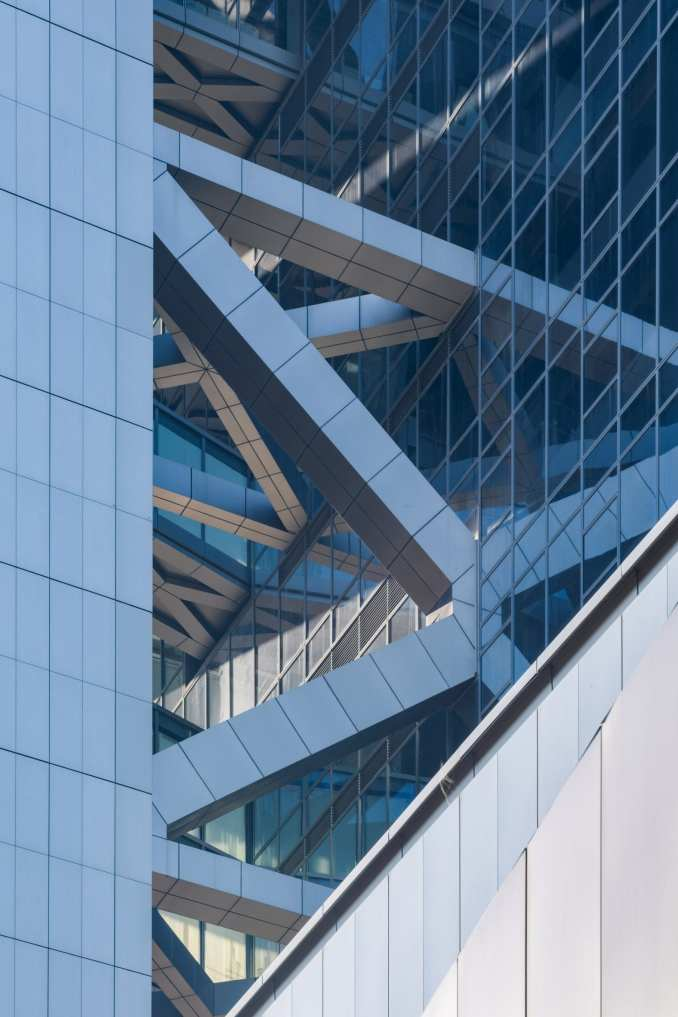 Structural bracing on Hanking Center supertall skyscraper