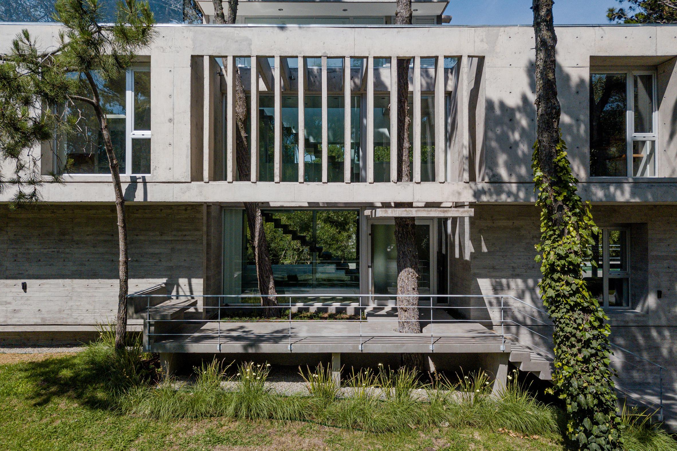 Concrete Argentina House Estudio Galera Fins