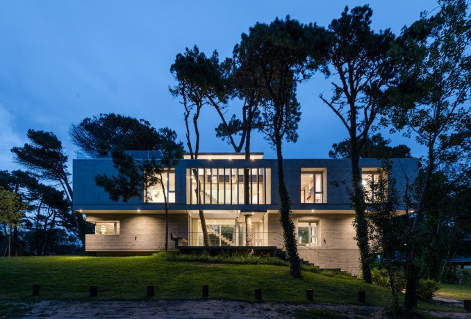Argentina Concrete House by Estudio Galera