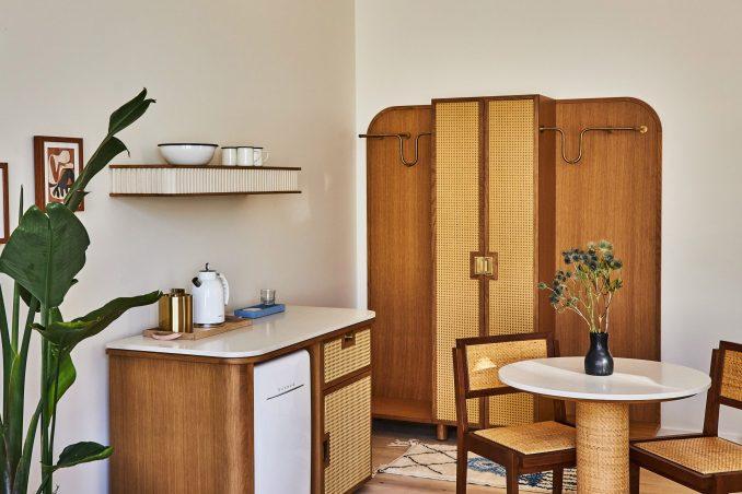 Bespoke furniture in Delux King Studio