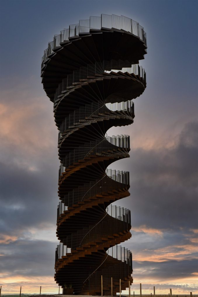 Double helix-shaped viewing tower