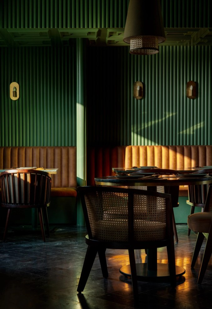 Green walls and floors in Elgin Cafe
