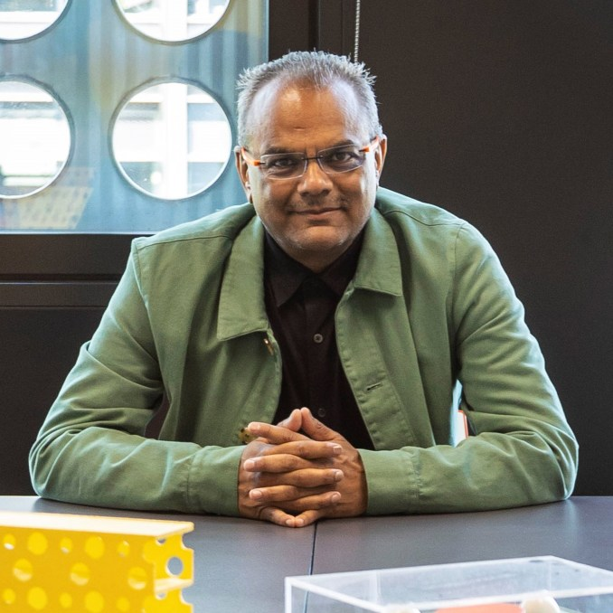 Portrait of Hanif Kara, co-founder of AKT II
