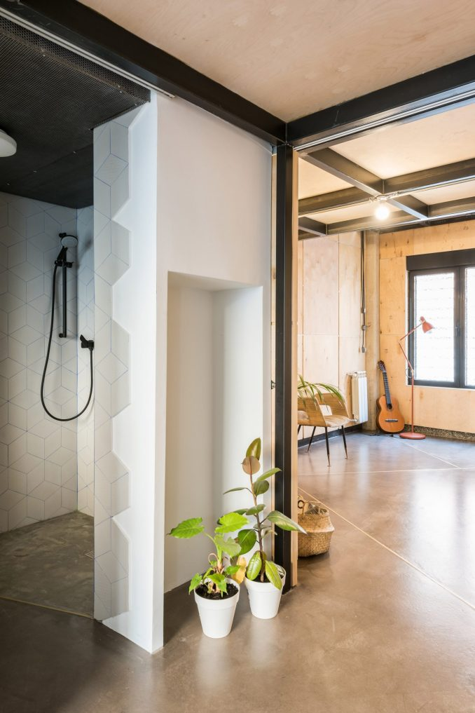Music studio in Spanish apartment