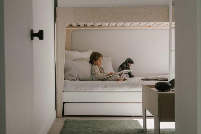 A bunkbed in the children's bedroom
