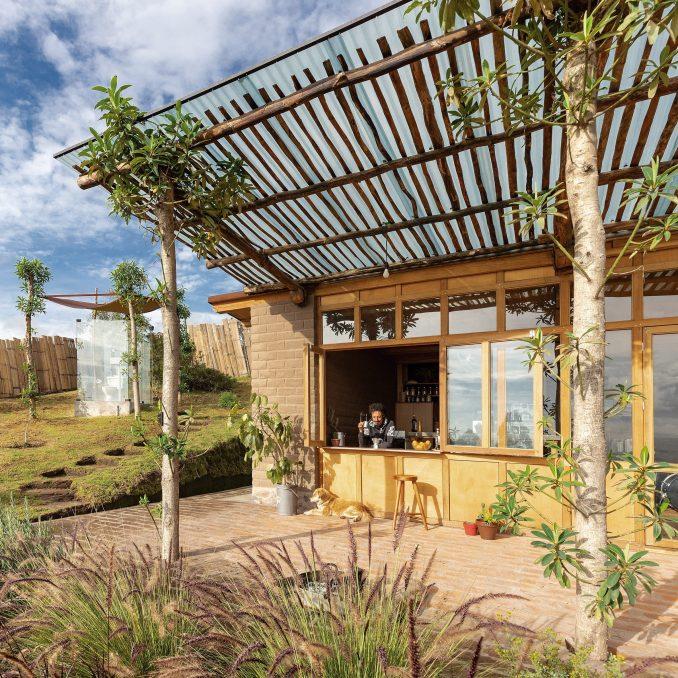 Casa Jardin by Al Borde