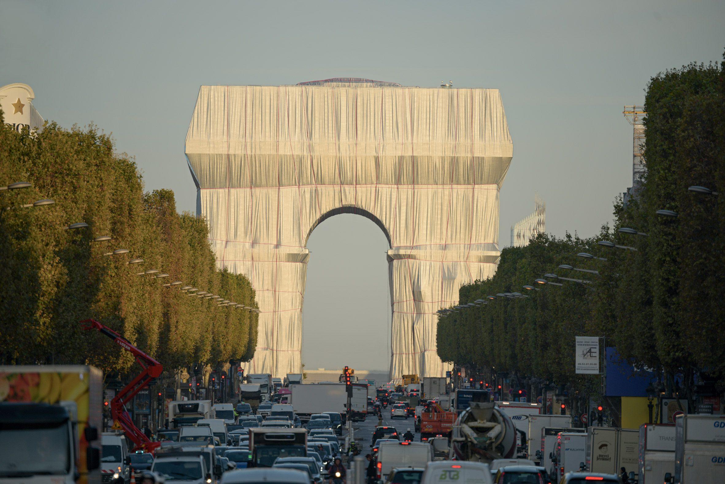 L'Arc de Triomphe Wrapped