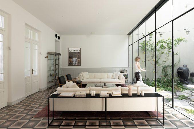 Lounge in Neve Tzedek Patio House by Meirav Galan