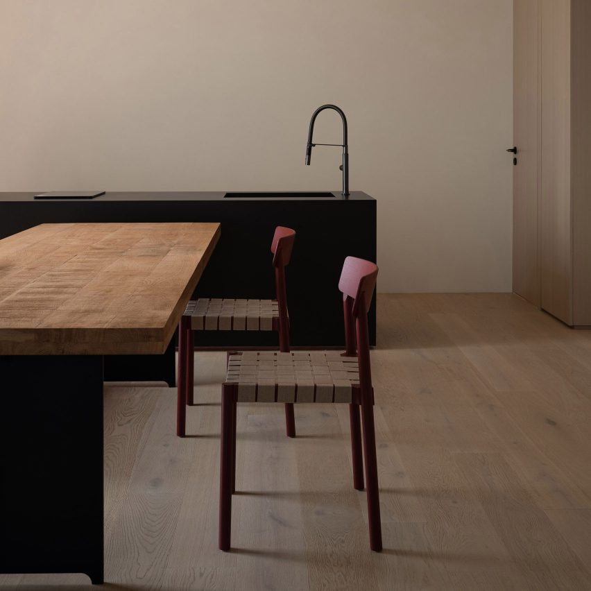 Minimalist dining room by AD Architecture