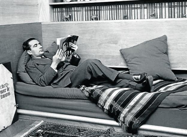 Resultado de imagen para biblioteca de Mitterrand subasta