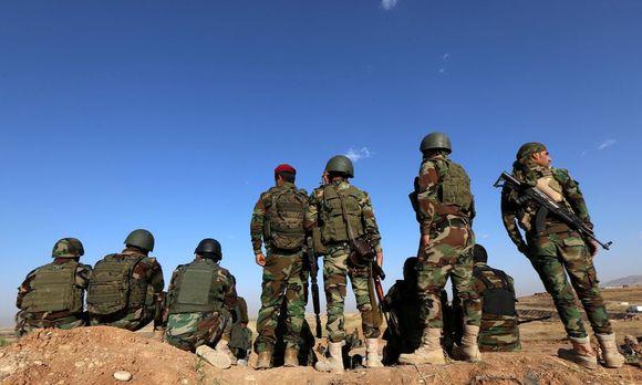 Einheiten der Peshmerga in der nordirakischen Kurdenregion warten auf den geeigneten Tag zur Eroberung von Mossul.