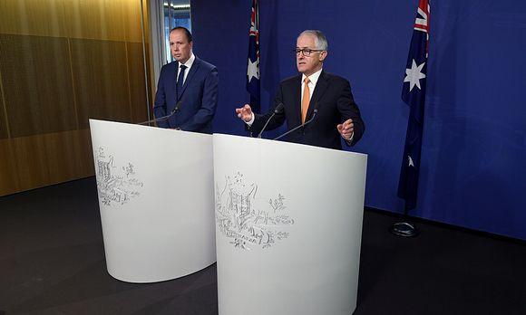 Einwanderungsminister Peter Dutton (links) und Premierminister Malcolm Turnbull präsentierten ihre Pläne / Bild: (c) REUTERS (STRINGER)