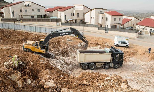 Im Westjordanland wird die israelische Siedlung Ariel nahe der Stadt Nablus ausgebaut. – (c) APA/AFP/JACK GUEZ (JACK GUEZ)